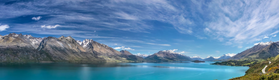 stunning view of lake wakatipu between queentown and glenorchy in new zealand